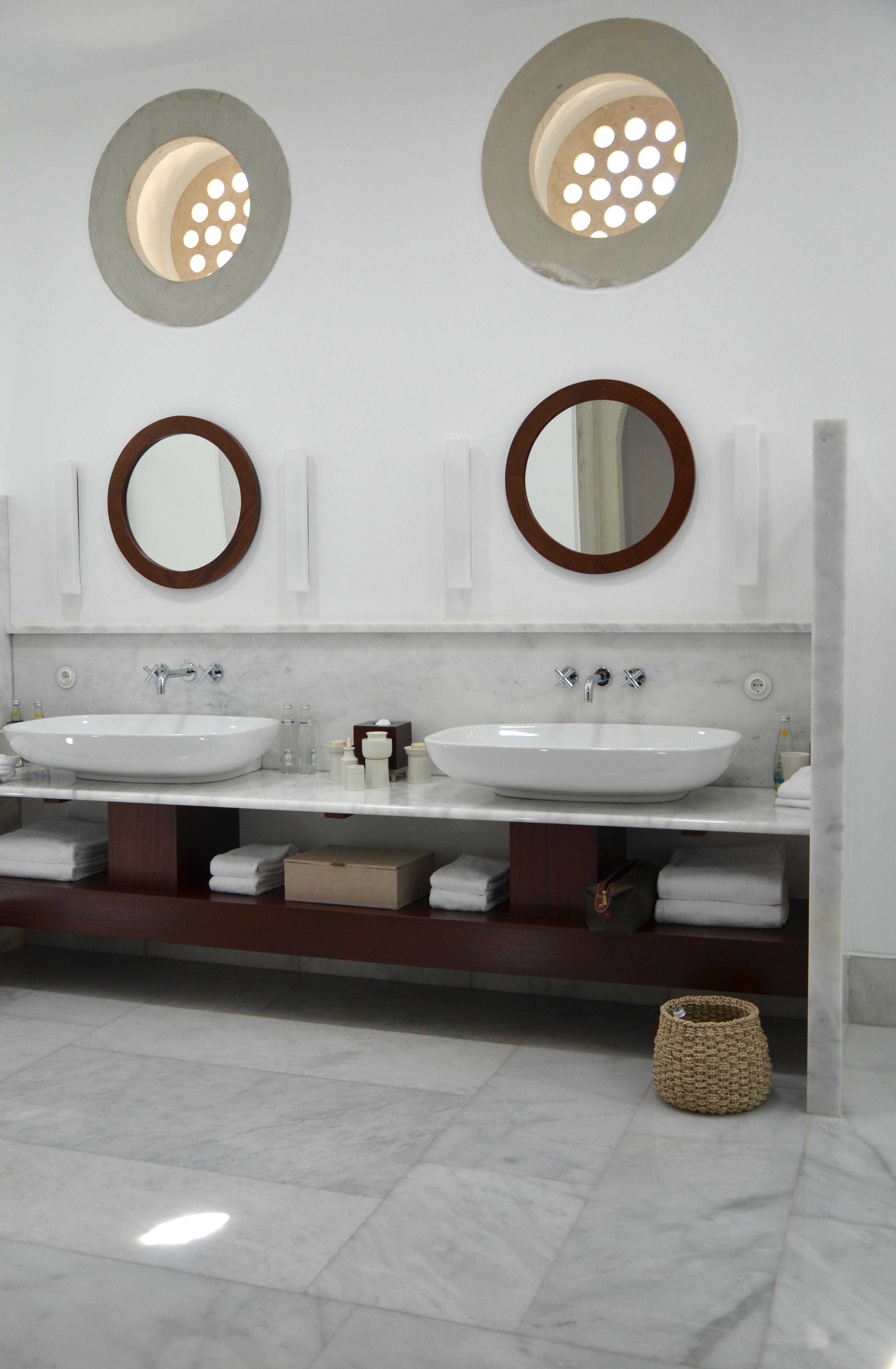 Inredningshjälpen: badrum helt i marmor