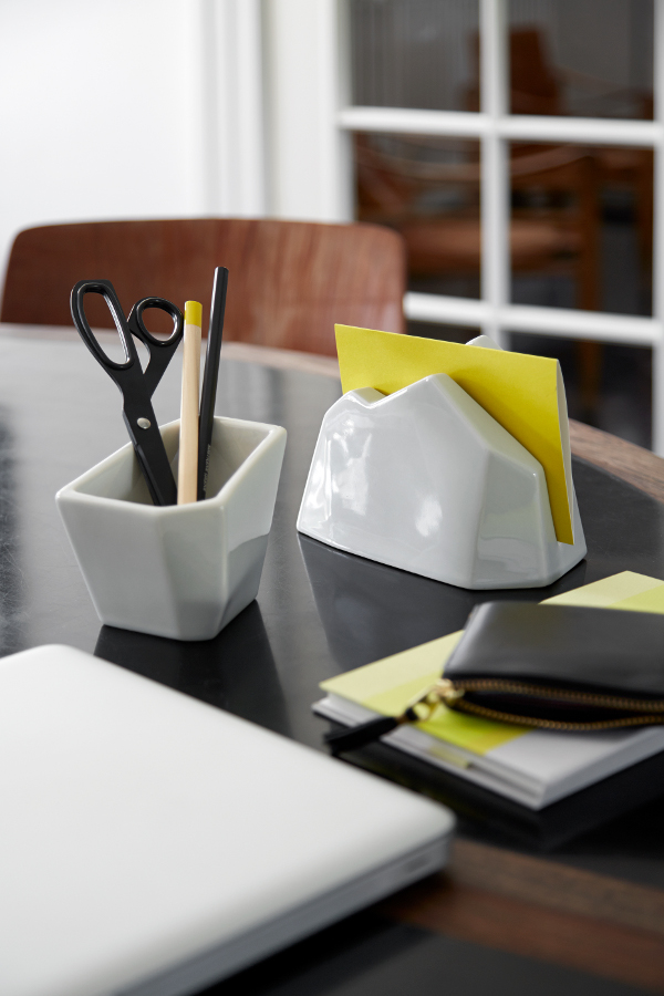 Officina-Pencil-Holder-and-Letter-Stand-1