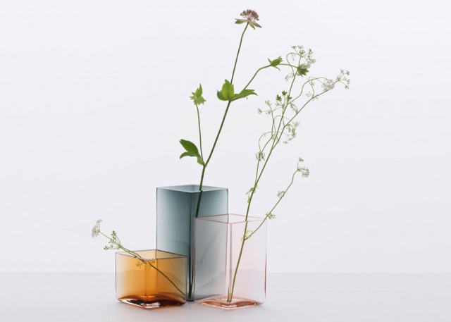 Ruutu-vases-by-Bouroullec-brothers-for-Iittala_dezeen_784_8