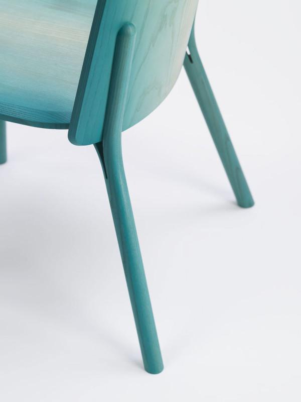 Split-chair-gradient-Arik-Levy-Ton-4-600x800