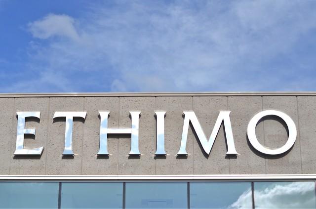 På besök hos Ethimo