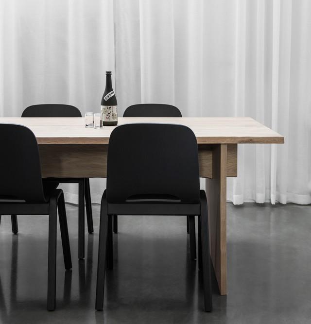 hem-bookmatch-table-philippe-malouin-milan-design-week-dezeen-936-01