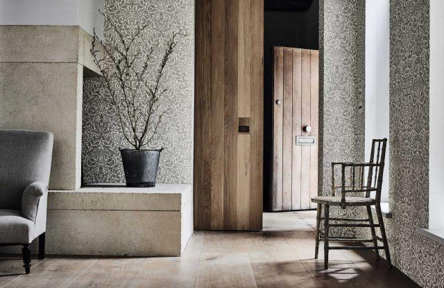 2-morris-pure-wallpaper-acorn-detail-living-space-plant-grey-metallic-white-natural