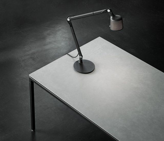 971-971_table_web_3