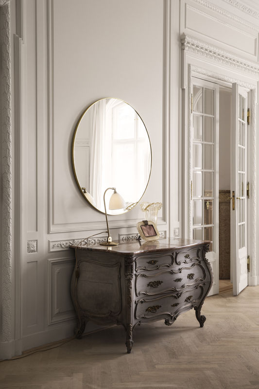 gubi-mirror-o110_bestlite-bl2-bone-china-brass_on-800x800