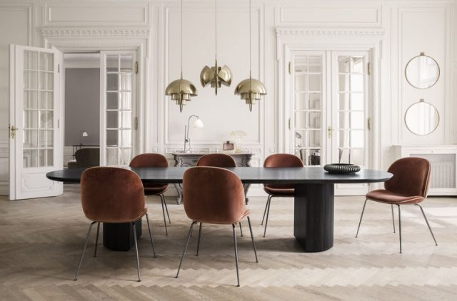 randaccio-mirror_beetle-chair-velluto-641-piping-luca-g066_017_moon-dining-tablel_multi-lite_bestlite-bl1_on-800x800