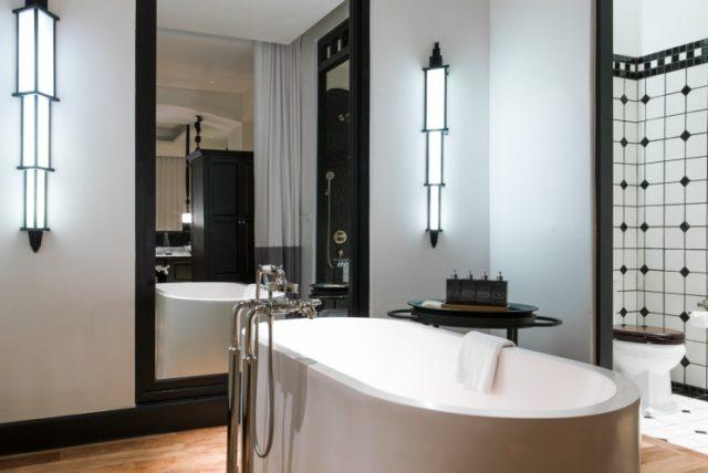 riverview-suite-bathroom
