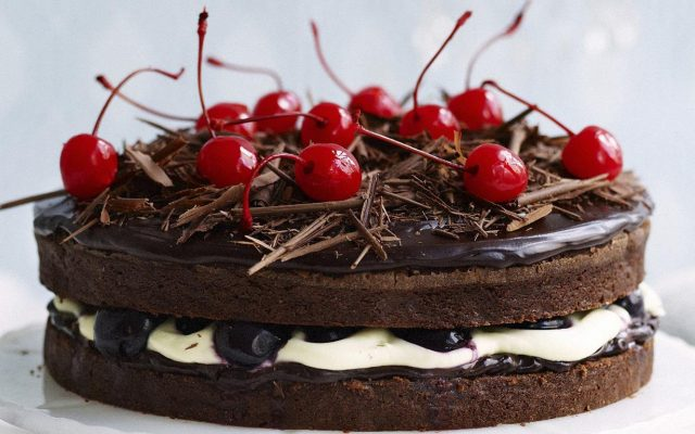 black-forest-mud-cake
