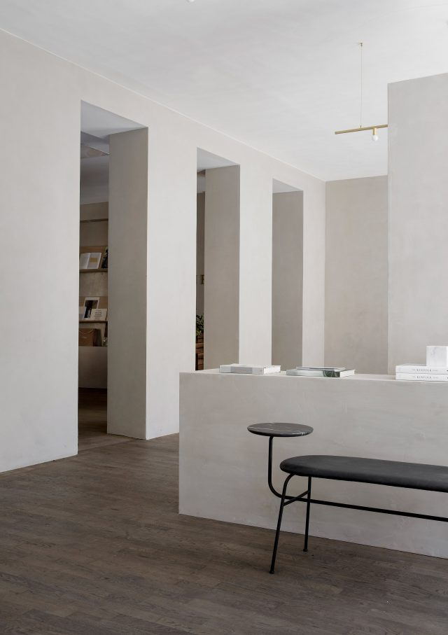 kinfolk-office_norm_architects_interiors_gallery_copenhagen_dezeen_2364_col_3
