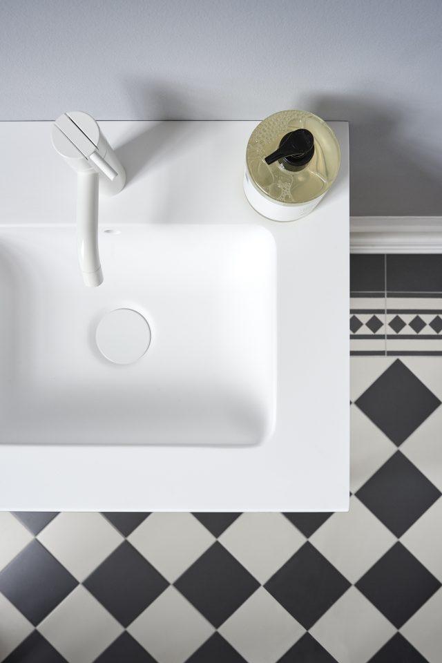 montana_bathroom_modulesmall_detail03_h_low
