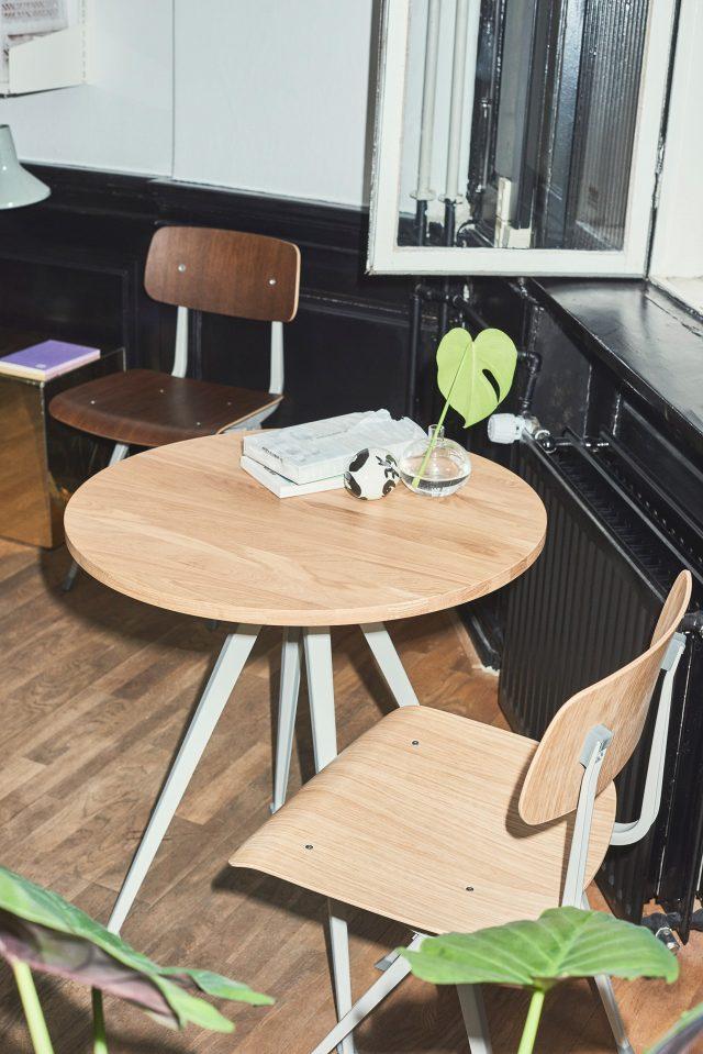 Hay relanserar design från förr i samarbete med Ahrend