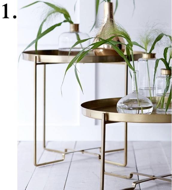 Fina soffbord med guldglans