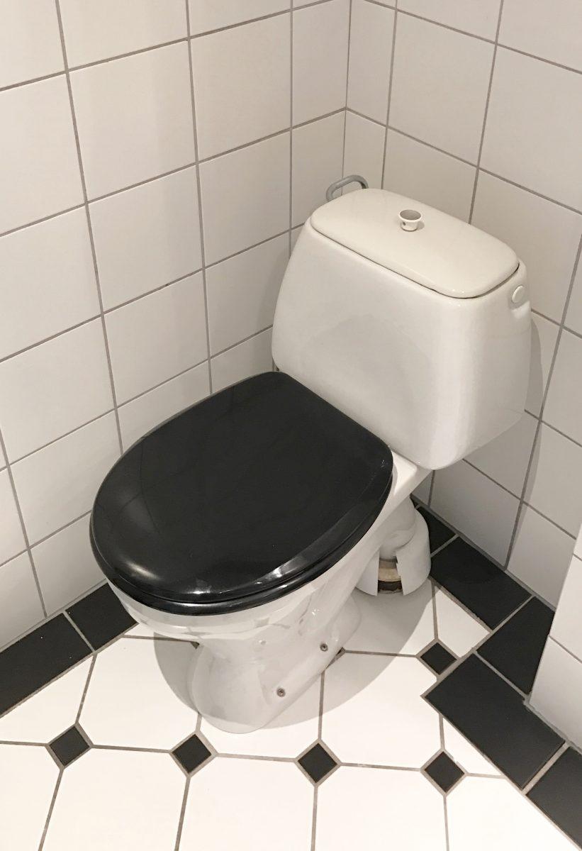 En klickraket i badrummet