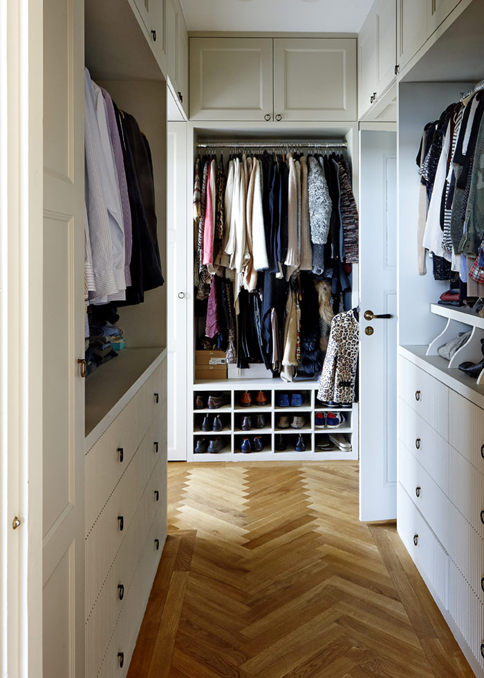sovrum_dressingroom_walkincloset