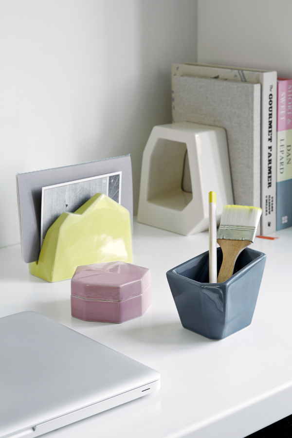 Officina-Letter-Stand-Storage-Jar-Pencil-Holder-and-Book-Stand
