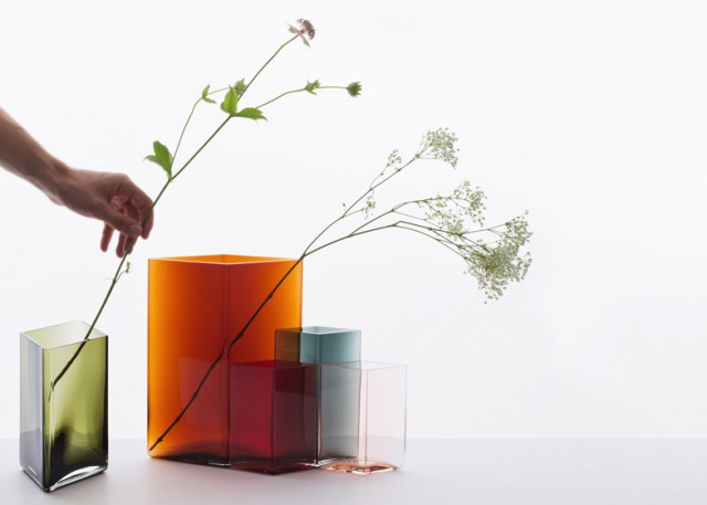 Ruutu-vases-by-Bouroullec-brothers-for-Iittala_dezeen_784_0