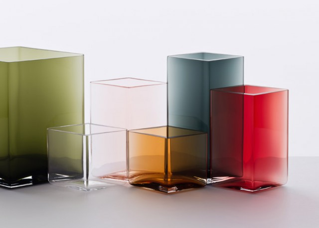 Ruutu-vases-by-Bouroullec-brothers-for-Iittala_dezeen_784_7