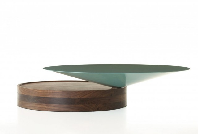 Laurel_coffee_table_in_walnut_by_Luca_Nichettoweb2_920x625