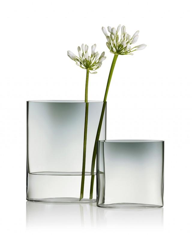 Iittala-celebrates-Tapio-Wirkkala-100-years-Ovalis-vase