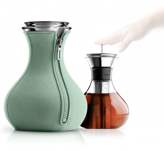567486_Tea_maker_1L_Granite_green_Regi1_Hand_HIGH