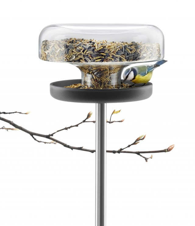 571039_Bird_feeder_table_regi_HIGH