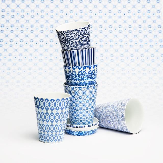 Porslin-blå-muggar-