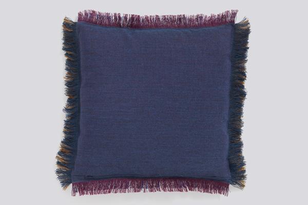 Fray-Cushion-50x50-amber-02