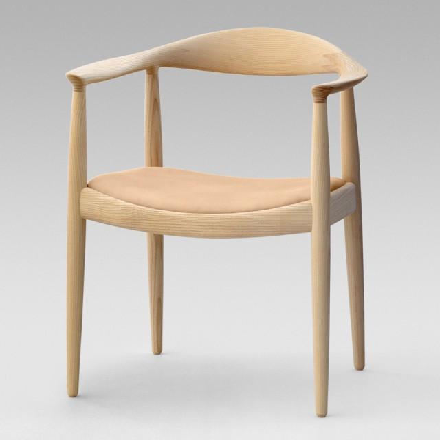Hans-wegner-round-chair-pp-mobler_Dezeen_sq