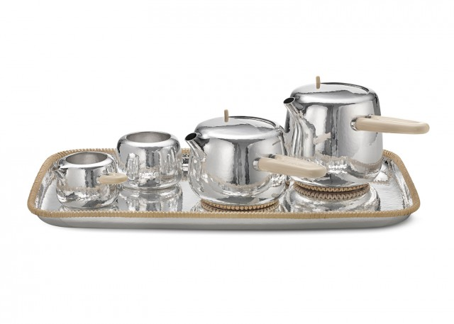 Marc-Newson-tea-set_Georg-Jensen_dezeen_1568_0