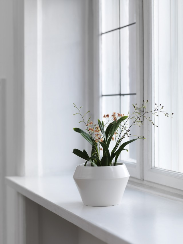 byLassen_Rimm_Flowerpot_White_Lifestyle_High Res