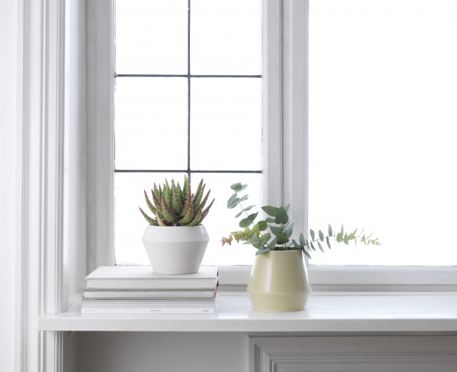 byLassen_Rimm_Flowerpot_White_Vase_Dusty Yellow_Lifestyle_High Res