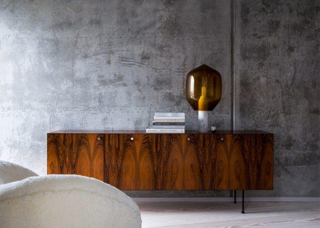 kroyers-plads-apartment-studio-david-thulstrup-interior-architecture-copenhagen-denmark-avoid-scandinavian-furniture-modern_dezeen_1568_4