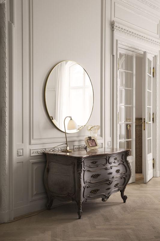 gubi-mirror-o110_bestlite-bl2-bone-china-brass_on-800x800