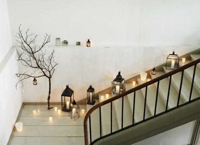 facet-vase-in-new-white-color-among-lantern-favorites_low