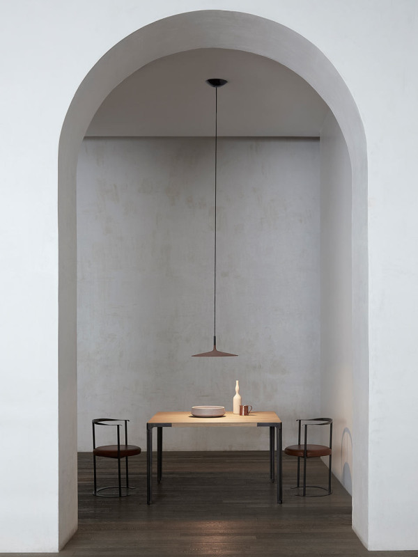 foscarini-aplomb_large_concrete_lamp-5-600x800