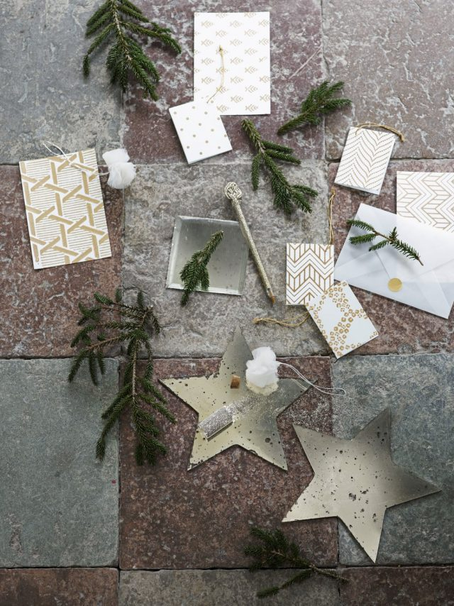 glitter-cards-pom-poms-and-mirrors-for-christmas_low