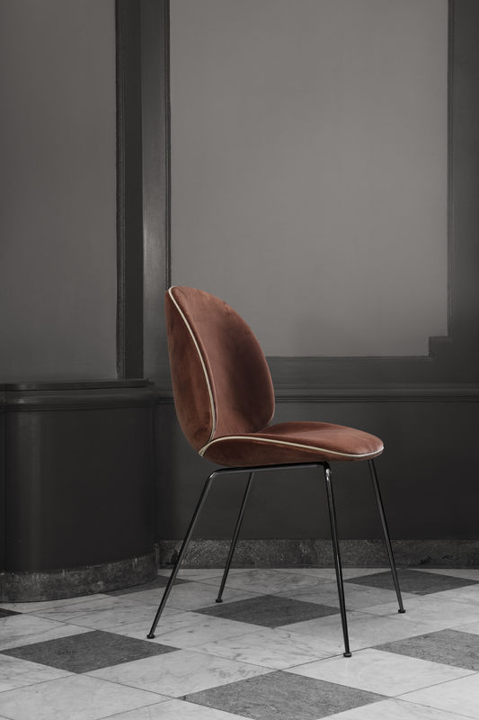 beetle-chair-velluto-641-piping-luce-g066_017-black-chrome-legs-800x800