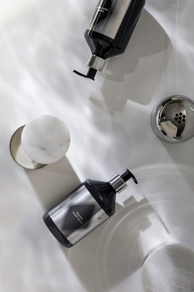washing-tom-dixon-soap-costmetic-design-products_dezeen_2364_col_7