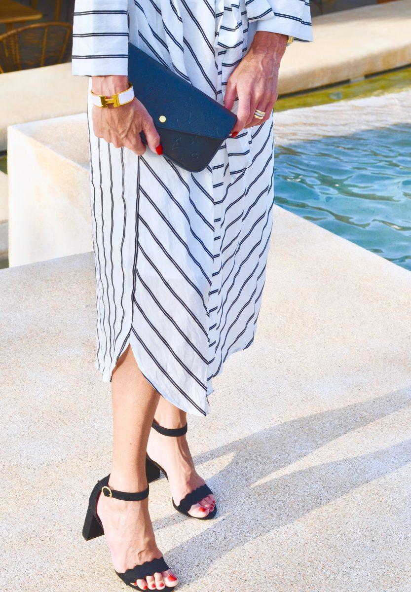 """2a82d27f5ab En klänning som funkar till alla tillfällen, ja lika fint till jobbet, till  stranden och även till mer festliga tillfällen lite beroende på om man klär  """"upp ..."""